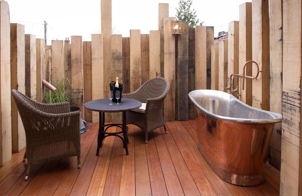 room20 crown hotel wells. Black Bedroom Furniture Sets. Home Design Ideas