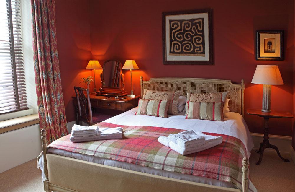 room 6 crown hotel wells. Black Bedroom Furniture Sets. Home Design Ideas
